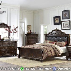 Tempat Tidur Mewah Classic Natural